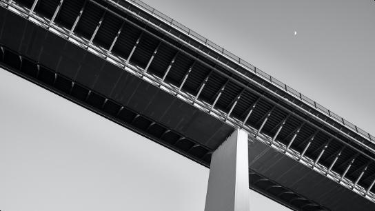 橋梁・トンネルの欠陥検知