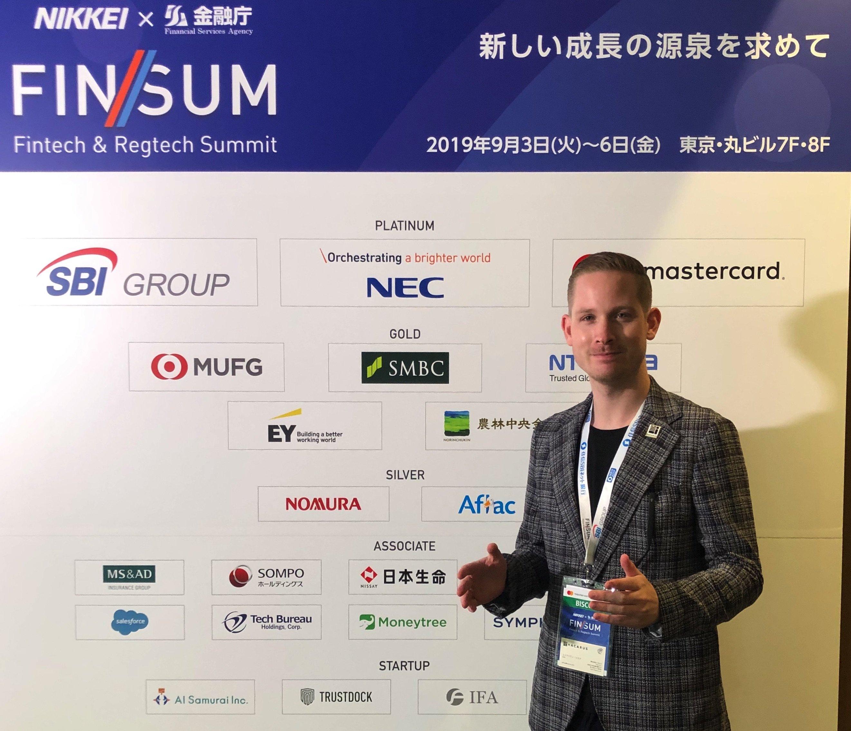 ハカルス CMOのAdrianが東京で開催されている FIN/SUMにて登壇しました。